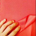 ตลาดผ้าจีนขายส่งผ้าโพลีเอสเตอร์ 100% oxford pu สำหรับกระเป๋าเป้สะพายหลังเต็นท์